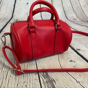 Wild Fable red small barrel purse like new